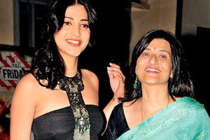 Shruti Haasan family photos