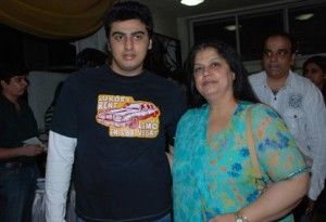 Arjun Kapoor family photos mother Mona Shourie Kapoor