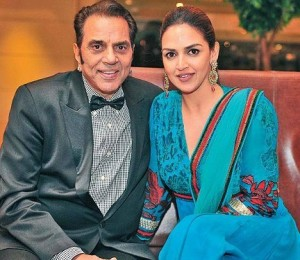 Esha Deol family photos father Dharmendra