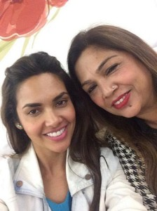 Esha Gupta family photos mother