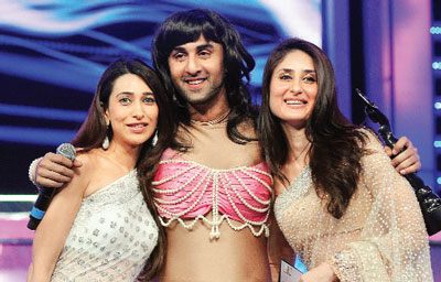 Bollywood Actresses Karisma Kapoor And Kareena Are His Cousins They The Daughters Of Randhir Brother Rishi