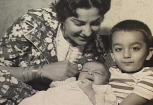 Sanjay Dutt childhood pictures 10