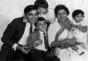 Sanjay Dutt family, childhood photos | Celebrity family wiki