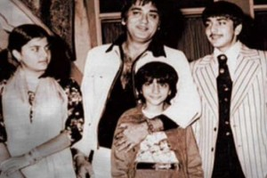 Sanjay Dutt childhood pictures 8