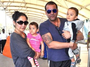 Manyata Dutt and children