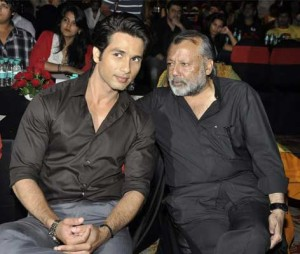 Shahid Kapoor family photos father Pankaj Kapur