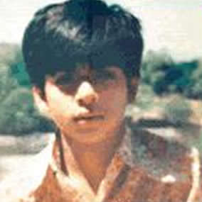 Shahrukh Khan childhood pictures 9