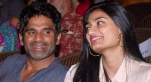 Suniel Shetty family photos children  Athiya Shetty