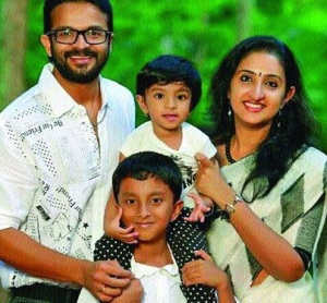 Jayasurya children son Adwaith and daughter Veda