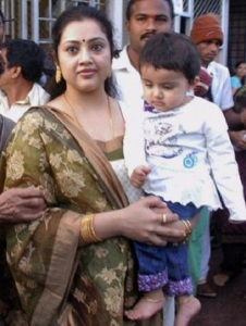 Actress Meena daughter Nainika