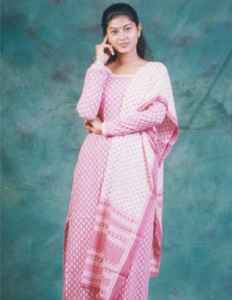 Actress Sneha Childhood pictures 10