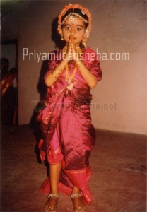 Actress Sneha Childhood pictures 2