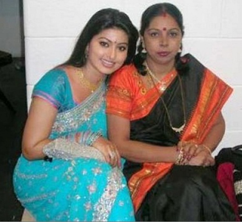 sneha family childhood photos actress celebrity family wiki