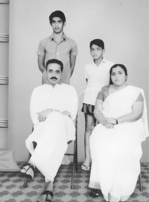 Mohanlal Family Childhood Photos Celebrity Family Wiki