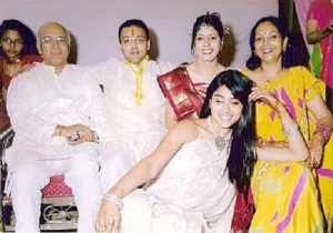 Shriya Saran elder brother Abhiroop Saran and sister-in-law Aarti Saran
