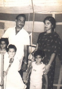 Actress Simran parents father Ashok Naval and mother Sharda