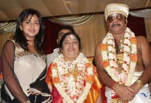 Amala-Paul-father-in-law-A.-L.-Azhagappan-and-mother-in-law