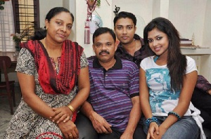 Amala Paul parents father Paul Varghese