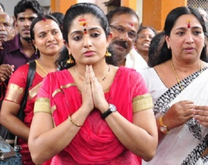 Kavya Madhavan parents mother Shyamala