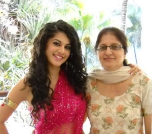 Taapsee Pannu parents mother Nirmaljeet pannu