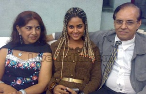 Meera Chopra parents father Sudesh Chopra and mother Neelam Chopra