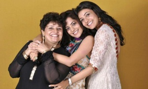 Nisha Agarwal parents mother Suman Aggarwal
