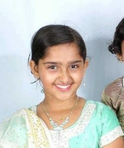 Sanusha Santhosh Childhood pictures 4