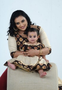 Shweta Menon children daughter Sabaina Menon