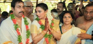 Shweta Menon parents mother Sarada Menon