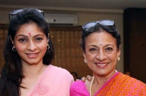 Tanisha Mukherjee parents mother Tanuj