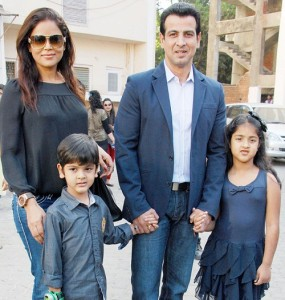 Ronit Roy children son Agasthya Bose Roy and daughter Aador