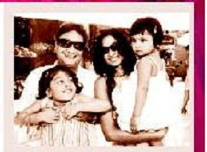 Vinay Pathak Wife Sonika Sahay & Children