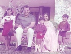 Vindu Dara Singh Childhood pictures 2