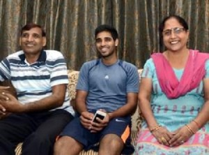 Bhuvneshwar Kumar Parents mother Indresh