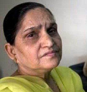 Harbhajan Singh Parents mother Avtar Kaur