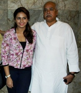 Huma Qureshi Parents father Saleem Qureshi