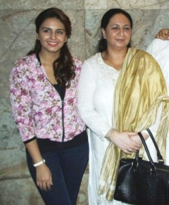 Huma Qureshi Parents mother Ameena Qureshi