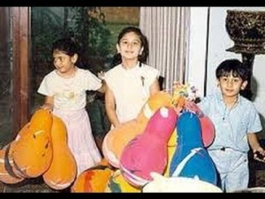Karisma Kapoor Childhood pictures 6