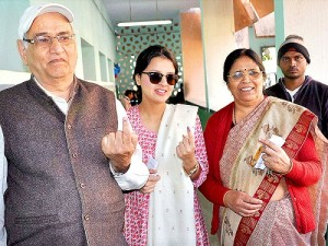 Mahendra Singh Dhoni Parents father Pan Singh & mother Devki Devi