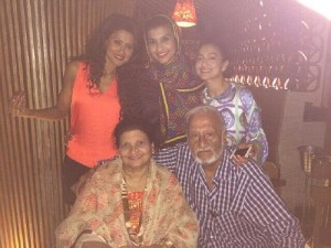 Nigaar Khan parents father