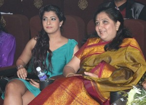 Raadhika Sarathkumar step-daughter Varalaxmi Sarathkumar and her mother chaya