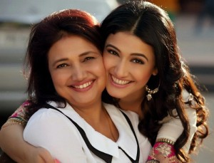 Ragini Khanna parents mother Kamini Khanna