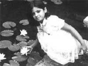 Raveena Tandon Childhood pictures 3