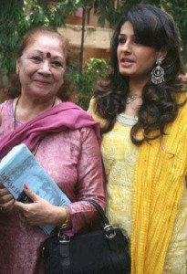 Raveena Tandon parents mother Veena