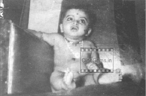 Actress Rekha Childhood picture