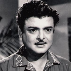 Actress Rekha parents father Gemini Ganesan