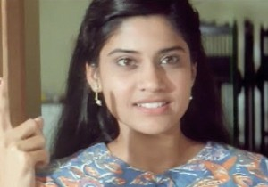 Renuka Shahane young age pictures 2