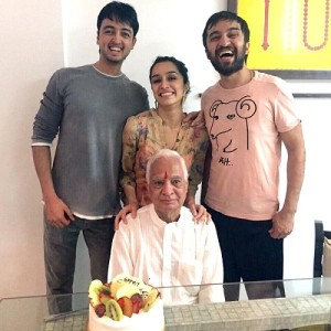 Shraddha Kapoor Rare family photos 6