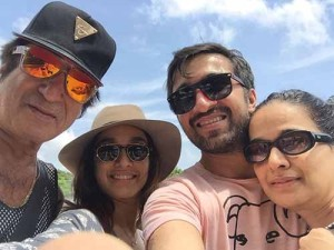 Shraddha Kapoor Rare family photos 7