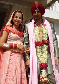 Shraddha Nigam Wedding photo with Karan Singh Grover